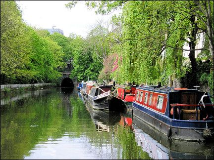 United Kingdom, London - Regent's Canal at the Islington Tunnel (seen from the south)