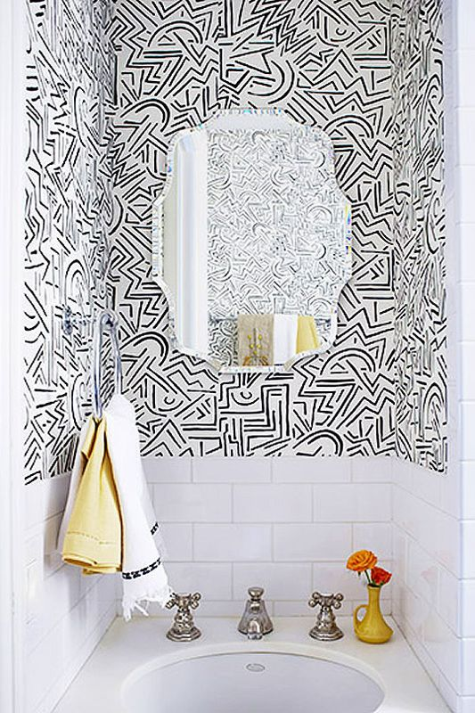 trend watch tapete im g ste wc white tiles wallpaper and family bathroom. Black Bedroom Furniture Sets. Home Design Ideas