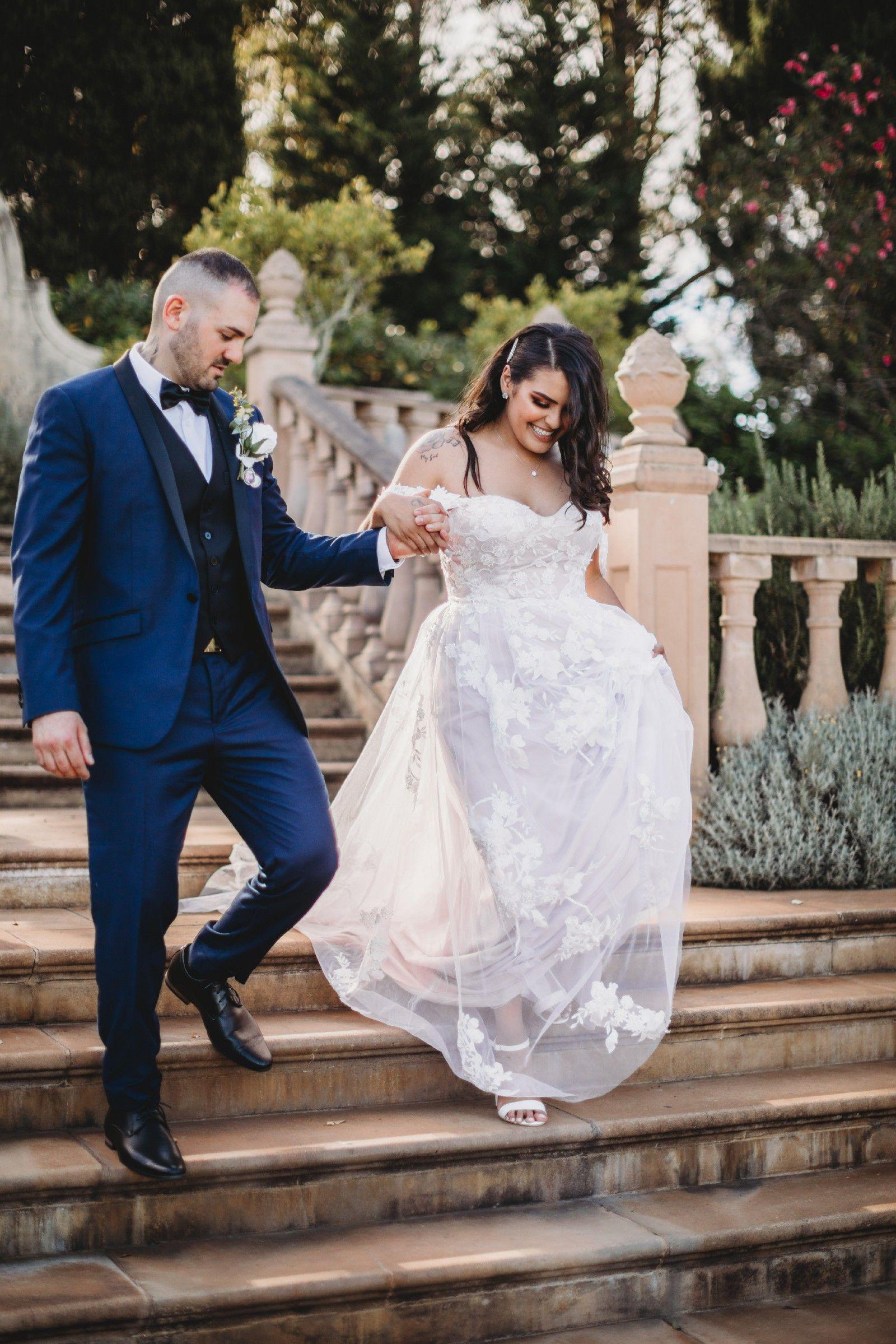 Madi Lane Elora Used Wedding Dress Wedding Dresses Used Wedding Dresses Preloved Wedding Dresses [ 2399 x 1600 Pixel ]