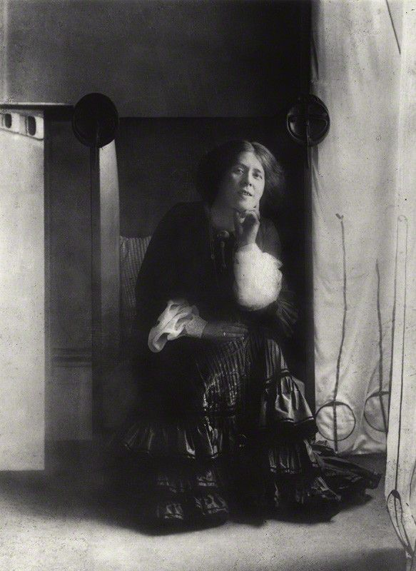 Margaret MacDonald Mackintosh by James Craig Annan circa 1901