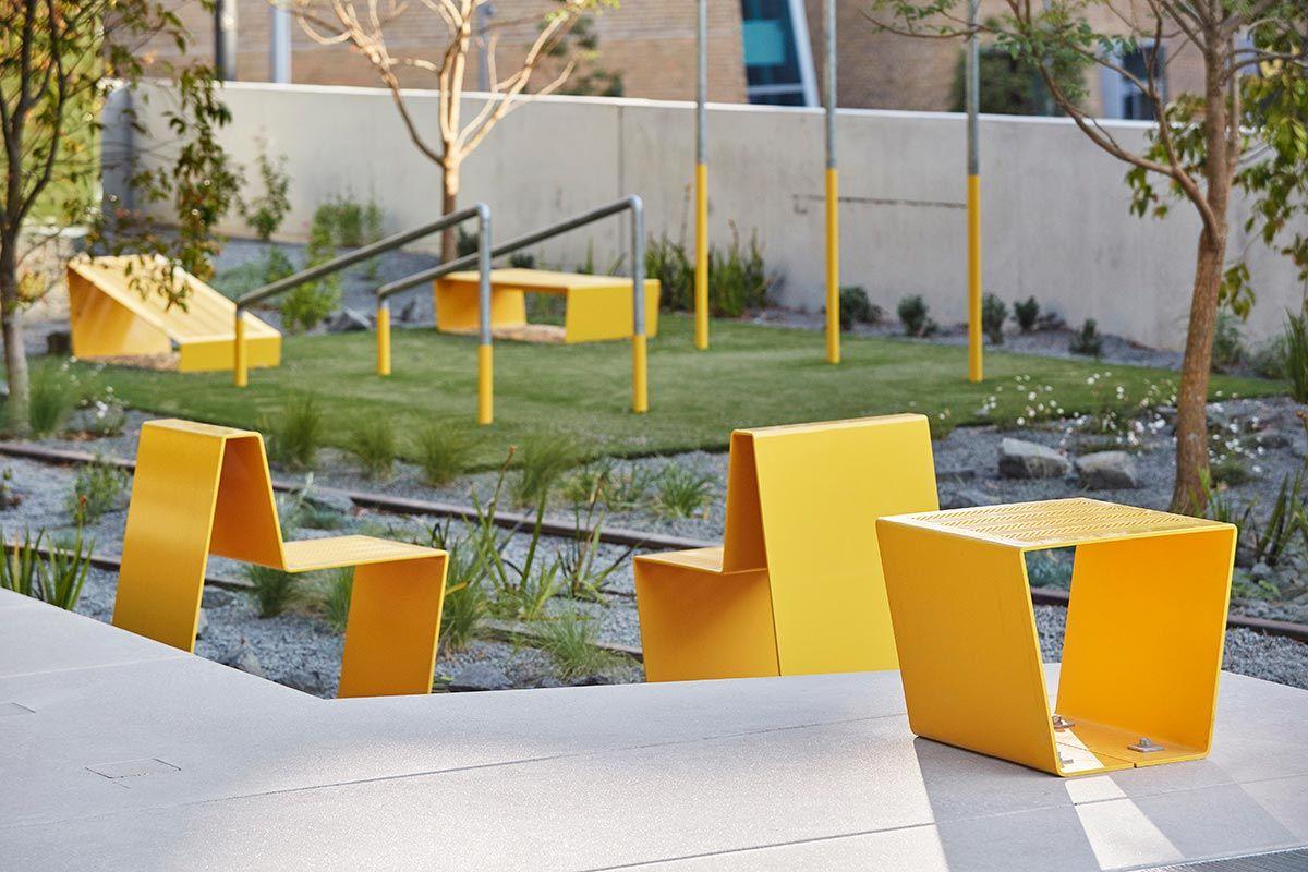 The goods line aspect studios chrofi 06 landscape for Mobiliario urbano contemporaneo