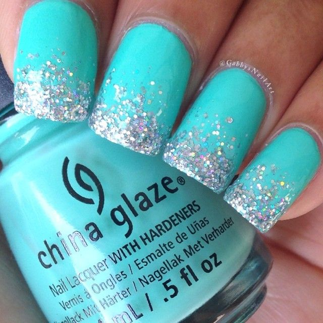 My Favorite Color Is Aqua So I Really Love These Nails The Glitter Is Super Pretty Too Kuku Jari Kaki Desain Kuku Kuku Lucu