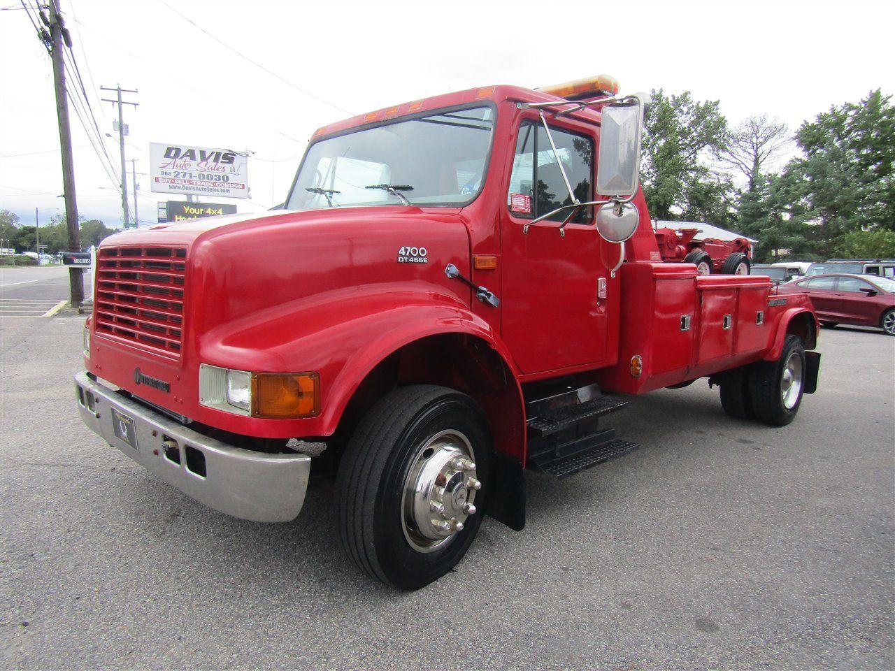 2000 International 4700 Series Medium Duty Holmes Bed Twin Line 12 Ton Wrecker Tow Truck Tow Truck Trucks Old Trucks