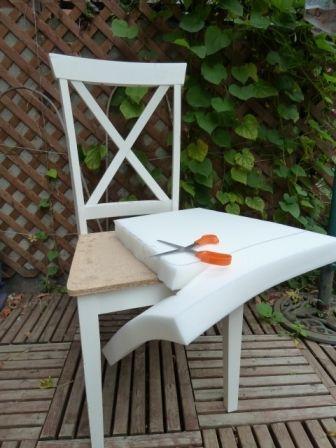 Restaurer Une Vieille Chaise Trouvee Dans La Rue Deconome Relooking De Chaise Vieille Chaise Chaise Diy