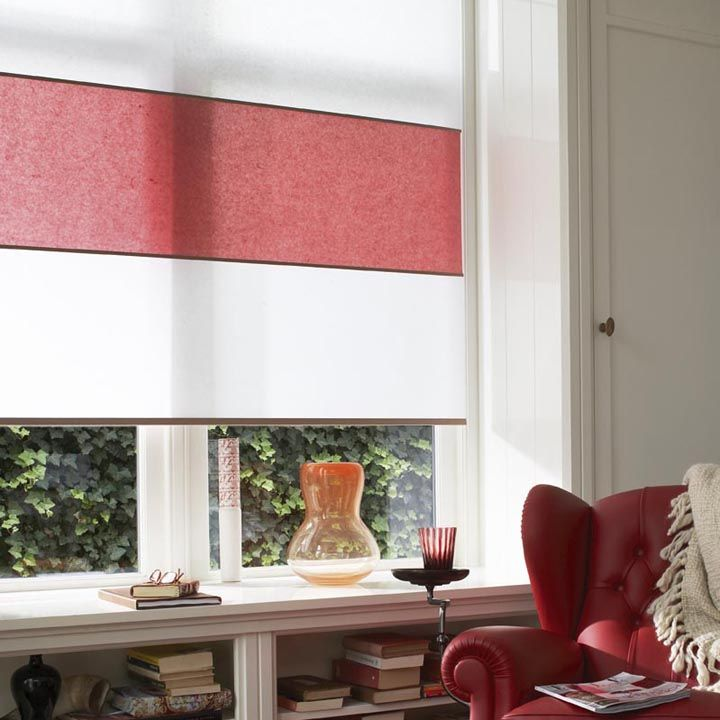 Japanese Style Decorating Ideas: Japanese Style Blinds With A Flash Of Red.