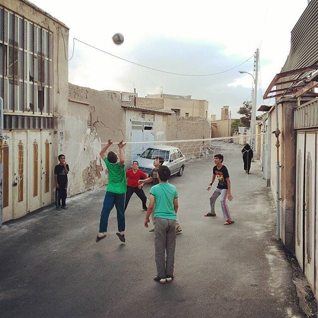 Boys playing volleyball on the street. #Kashan #Isfahan #Iran. Photo by Mohsen HadiZadeh @mohsen.hadizadeh for @everydaykashan #everydayKashan #everydayIran #everydayMiddleEast #everydayAsia #everydayEverywhere  پسرها در حال واليبال بازى كردن در خيابان. #كاشان #اصفهان #ايران. محسن هادیزاده by everydayiran