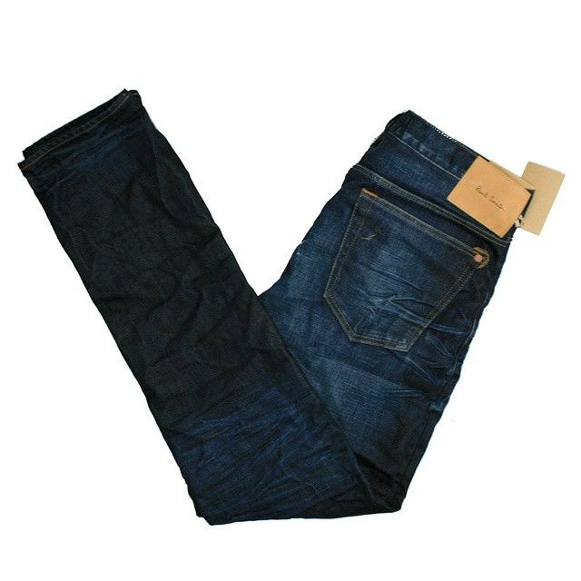 Paul smith classic indigo jeans @paulsmithdesign #paulsmith #streetfashion #streetstyle #mensstyle #mensfashion #oldschool #dapper #suave #classic #stylish #fashionbloggers #blackpelican...