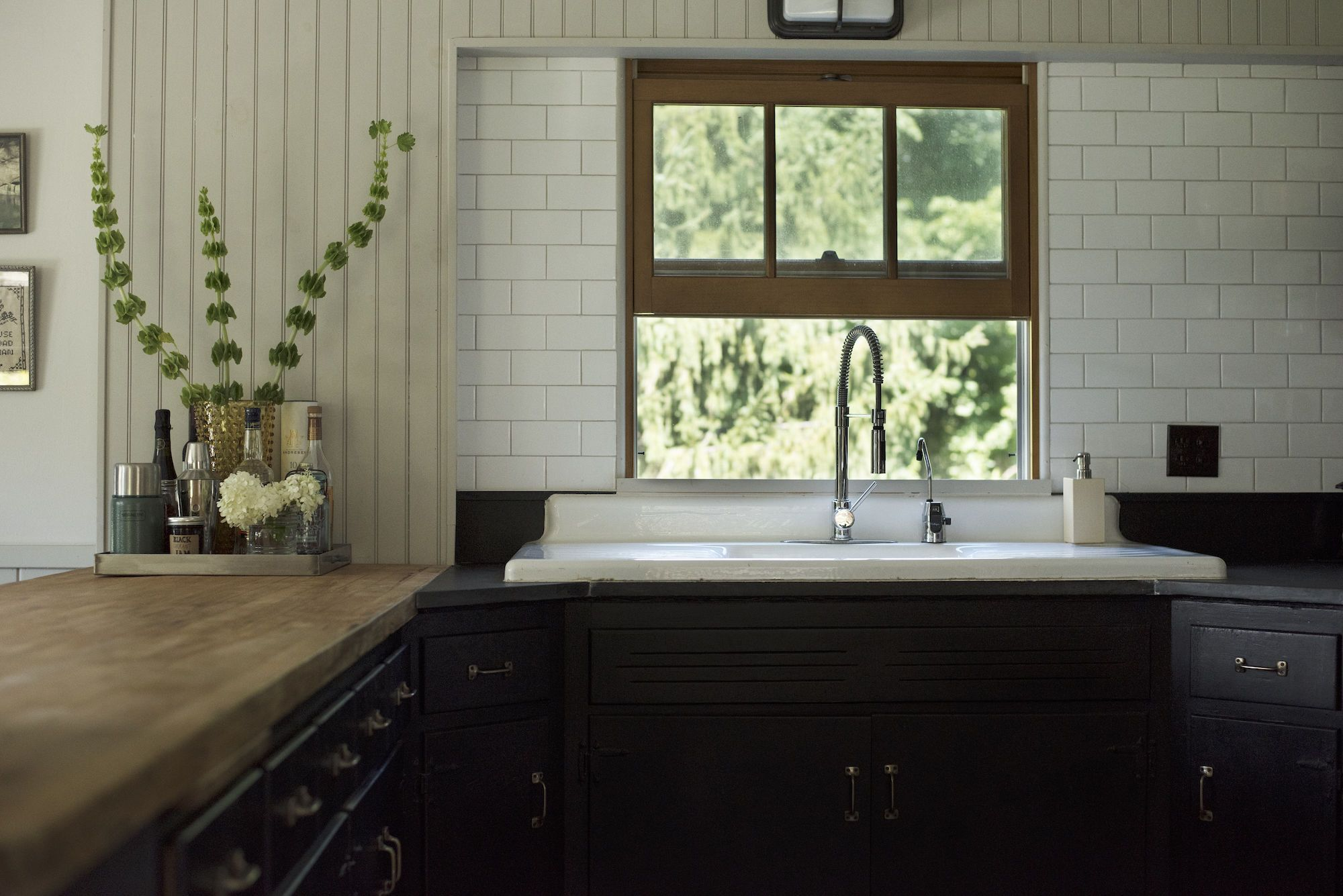 Architect visit an antiquarian farmhouse in upstate new york