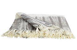 Decke Tie & Dye Super kuschelige Decke fürs Sofa oder lange Sommerabende. Die Tie & Dye Decke ist in zwei Farben und aus 100% Baumwolle erhältlich.