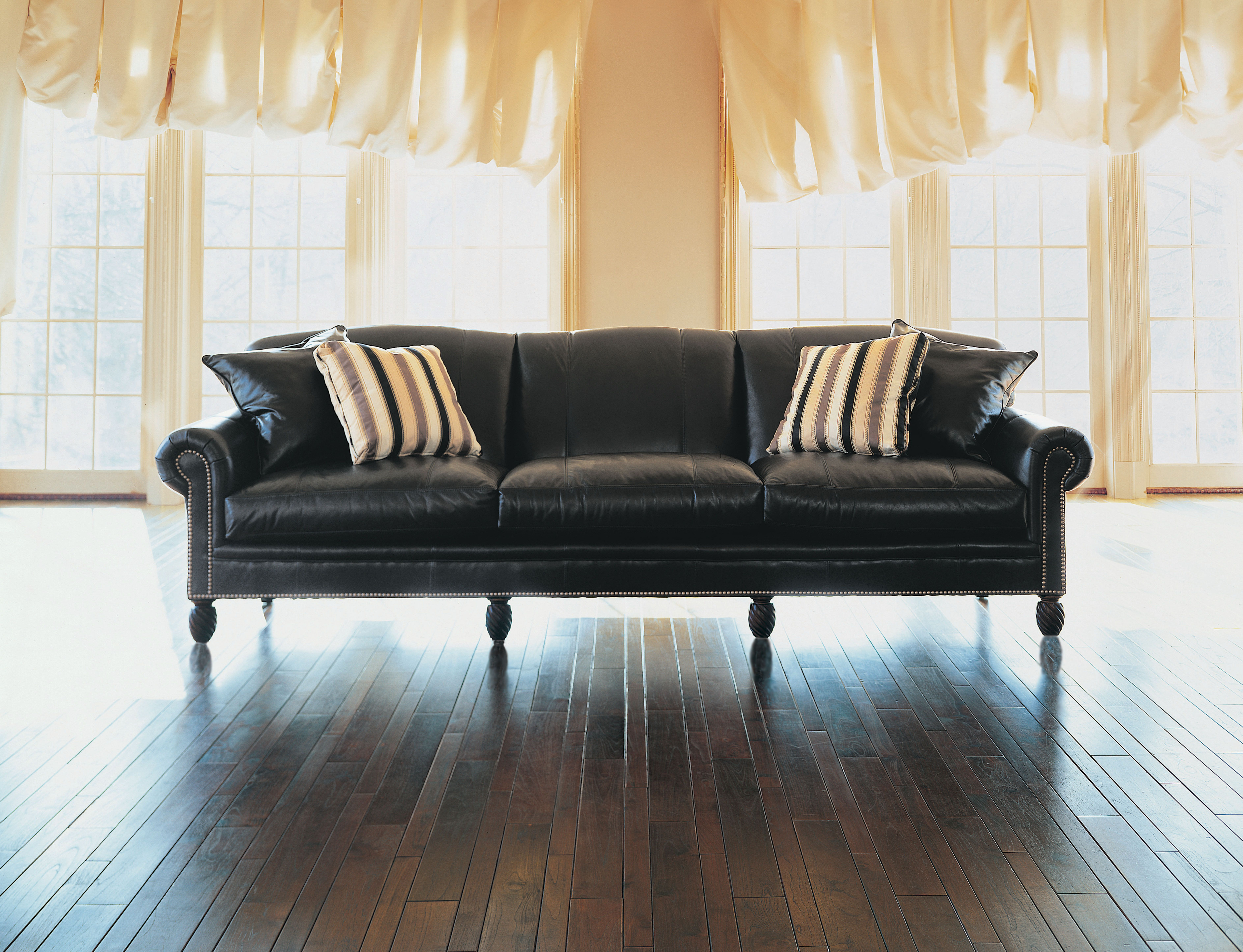 72 lancaster leather sofa long sectional canada grey ekenasfiber johnhenriksson se the day of rest keep it classy and relaxed y all rh pinterest com faux palliser furniture
