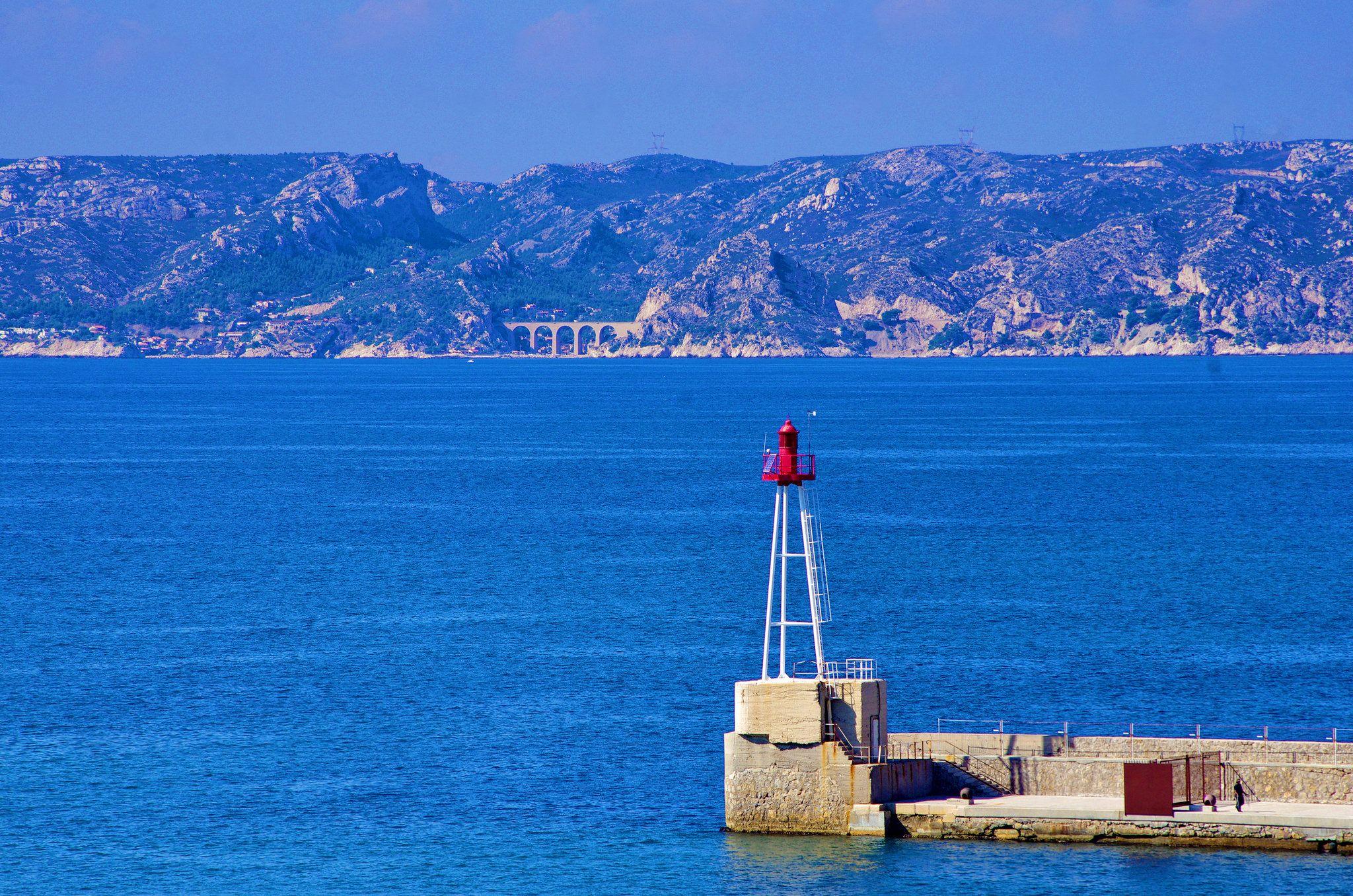 https://flic.kr/p/v8e7C3 | Marseille 2014 - 185 l'entrée du Port