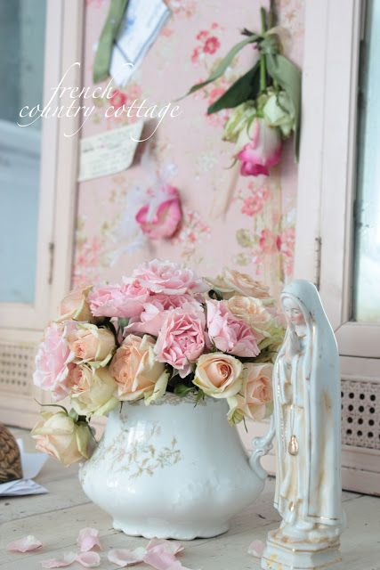 FRENCH COUNTRY COTTAGE: A Chippy Pink Treasure