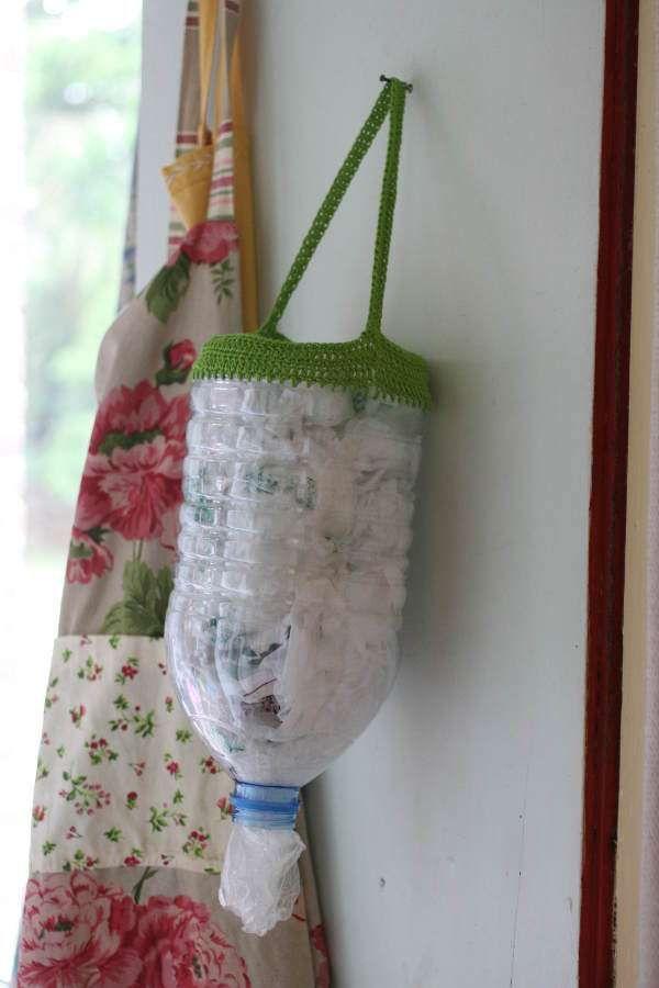 nos astuces pour ranger ses sacs plastiques pinterest diy bouteille bouteille plastique et. Black Bedroom Furniture Sets. Home Design Ideas
