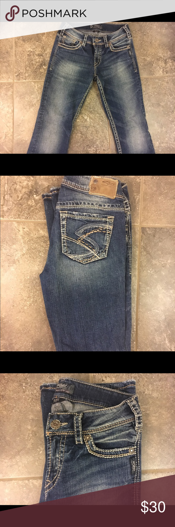 """SILVER jeans size 27 Brand name silver jeans with """"s"""" on back pockets, barely worn great condition!!!! Silver Jeans Jeans Boot Cut"""