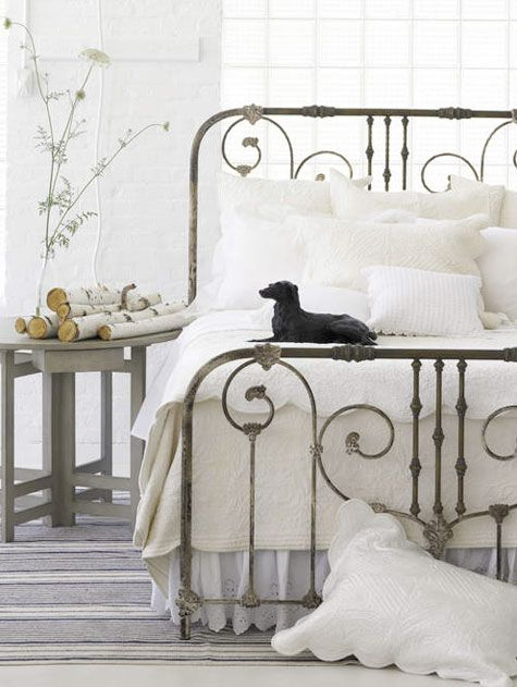Country Style Decoration Ideas White Rooms White Bedroom Iron Bed