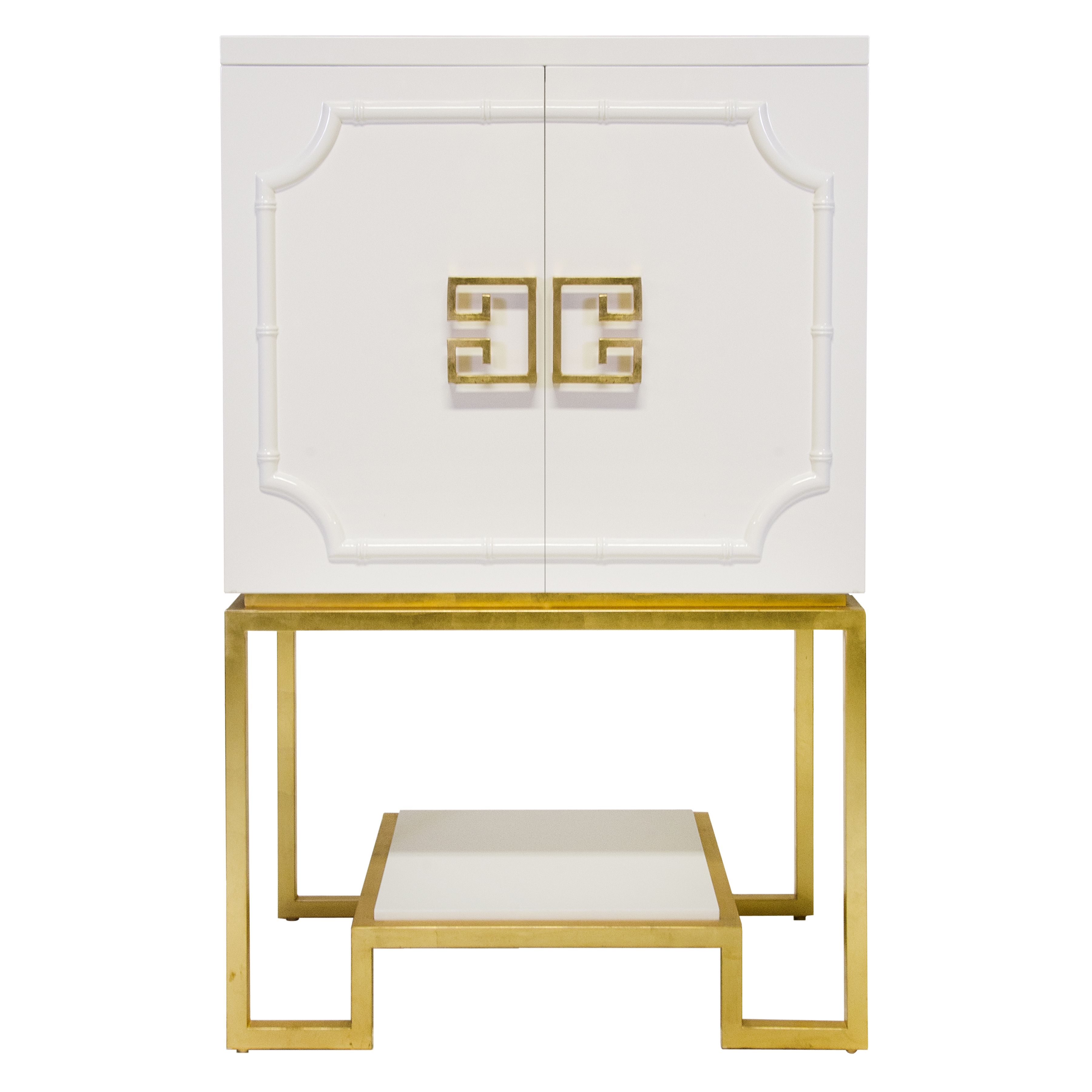 Exceptionnel Worlds Away U2013 Anna WH (white) U2013 White Lacquered Bar Cabinet With Gold  Leafed Base And White Lacquer Shelf. The Interior Is Two Sided And Has  Adjustable ...