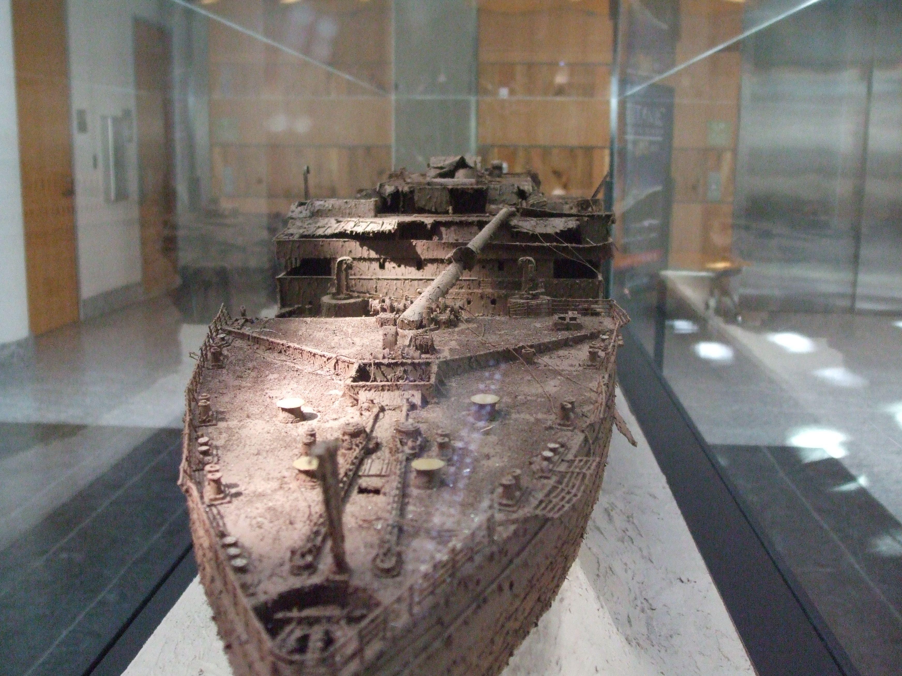 Inside Titanic Shipwreck Human Remains Inside titanic ...