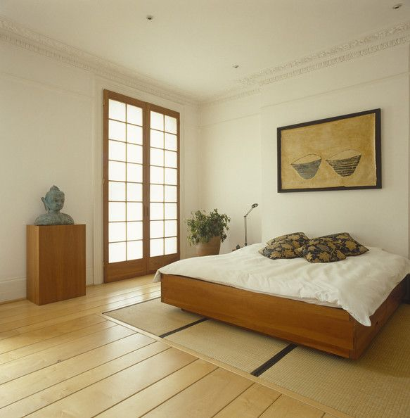 Japanese Zen Bedroom: Very Zen Bedroom, Combining Modern Convenience Of A