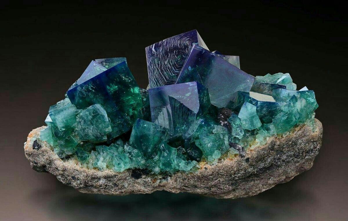 современных картинки драгоценные минералы все