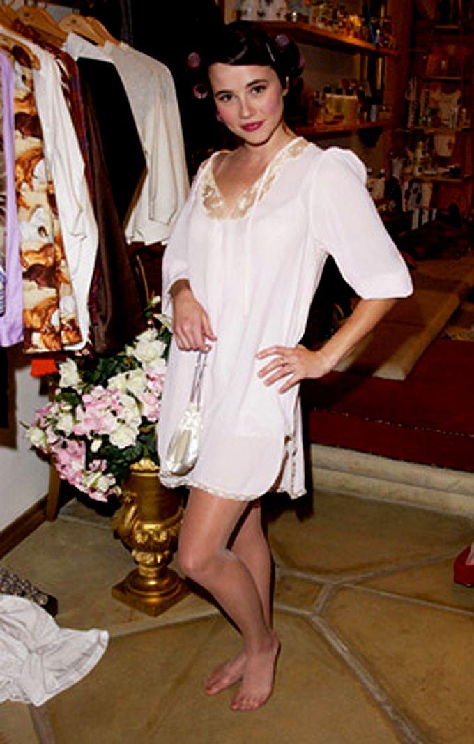 LindaCardellini Pajamas, White dress, Celebrities