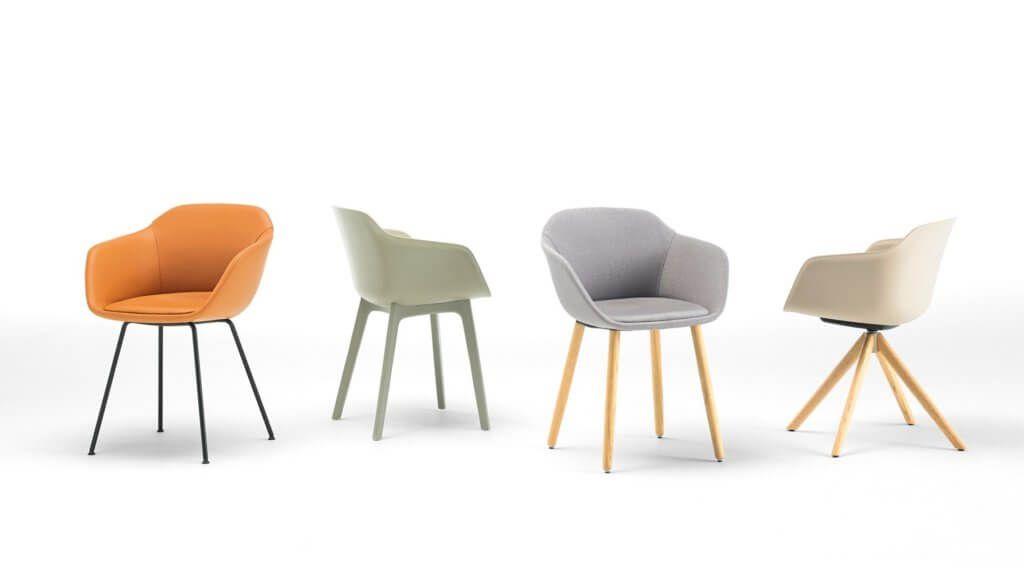 Fauteuil De Reunion Design Avec Une Assise Coque En Plastique Tres Solide En 2020 Chaise Plastique Fauteuil Chaise Design
