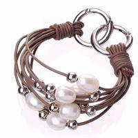 Модный дизайн нескольких Strands перл и металл бусины и кожаный браслет