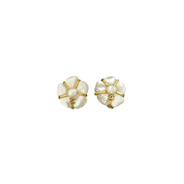LUXURY-SHOPS.COM - Chanel, Camelia, Earrings ❤ liked on Polyvore featuring jewelry, earrings, accessories, chanel, diamond earrings, womens jewellery, chanel jewelry et pandora jewelry