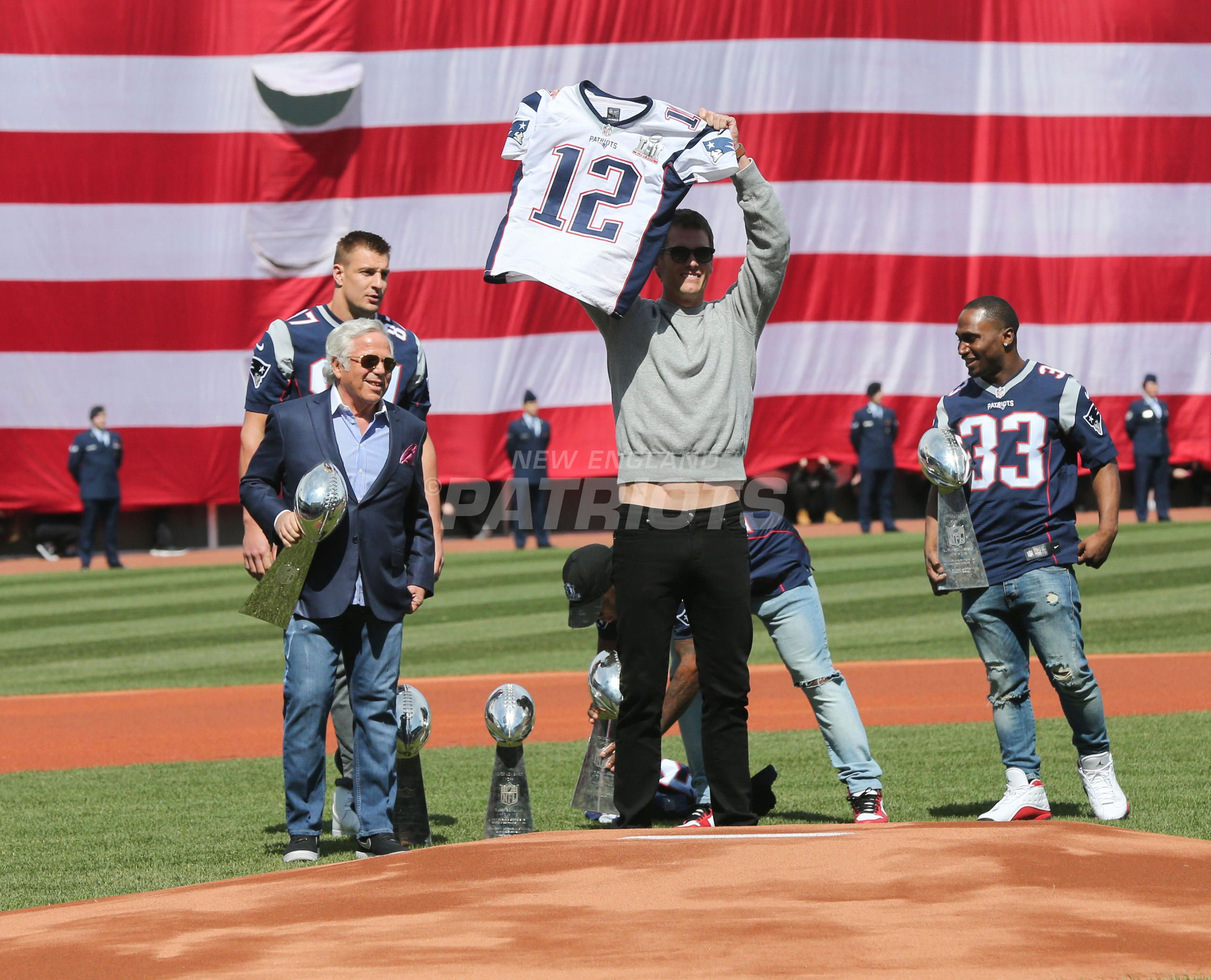 Patriots Honored During Red Sox Opening Day Ceremonies At Fenway Park New England Patriots New England Patriots Football Patriots