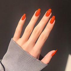 """BURCU on Instagram: """"1 günde 3 post mu? 🤤 Marka ve numarası yarın ama hepiniz biliyosunuzdur diye bi his var içimde🍑 . . #nails #nailart #peach #orange"""" – Nailart"""