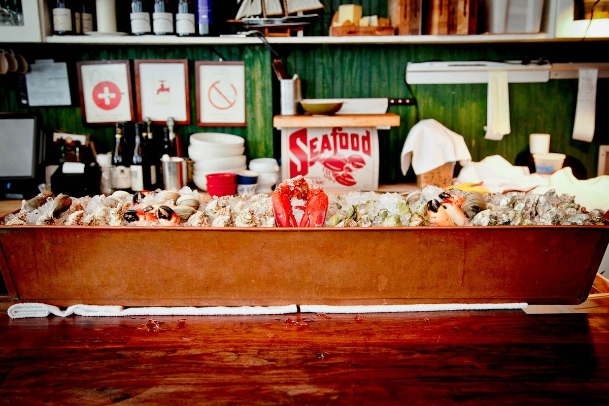 Home Jeffrey S Grocery West Village New York City Raw Bars Casual Dining Restaurant Bar Set Up
