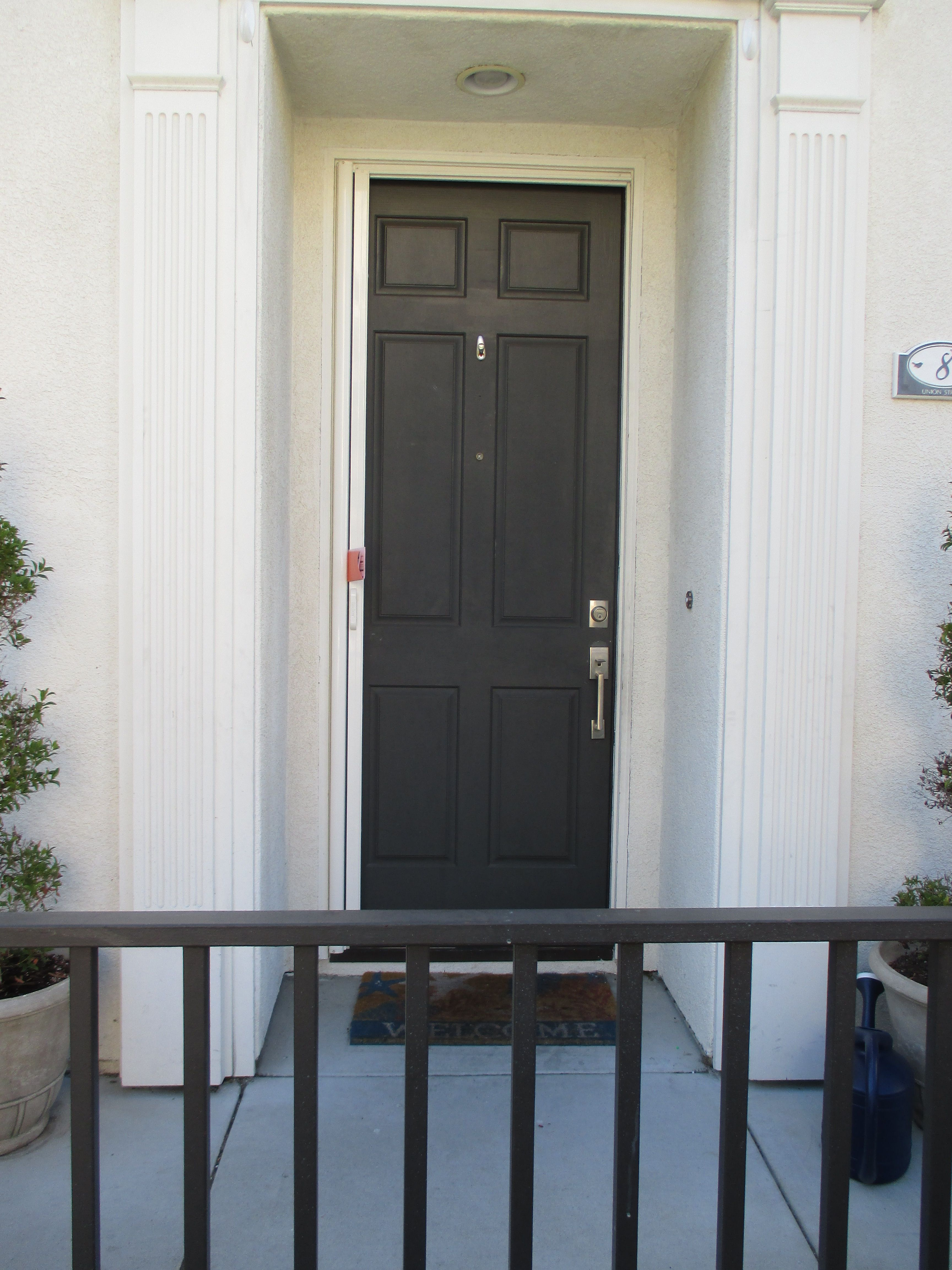 how to make a screen door close slower