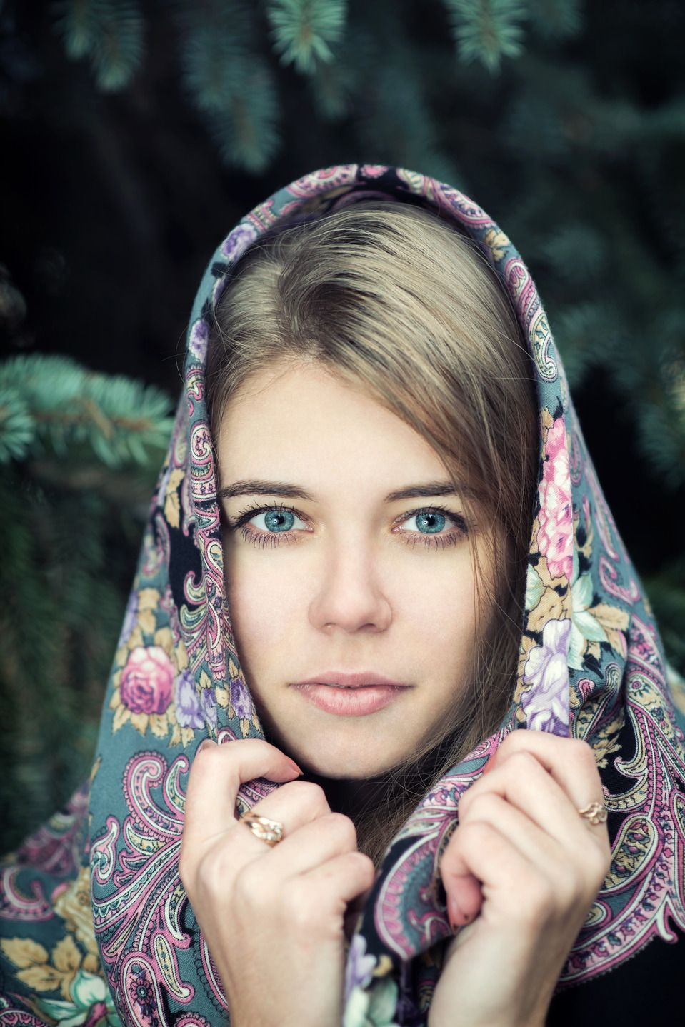 "Pretty girl in a Russian Pavlovsky Posad shawl.The shawl is called ""Secret of the Heart"". #Russian #shawl"