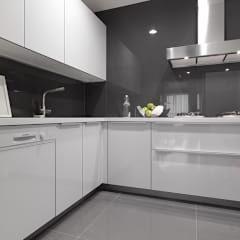 Cocinas de estilo moderno de iDiD點一點設計