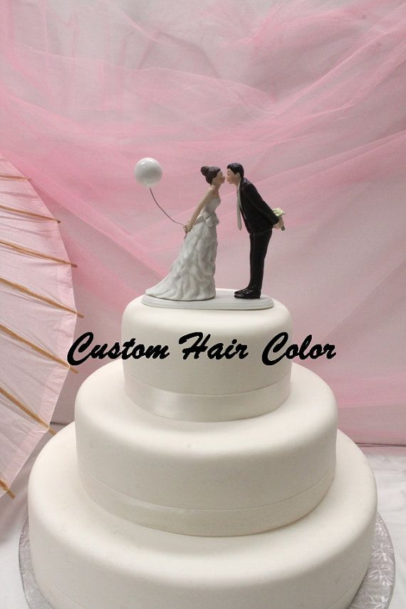 """/""""Leaning in for a Kiss/"""" Balloon Couple Wedding Cake Topper Cute Reception Fun"""
