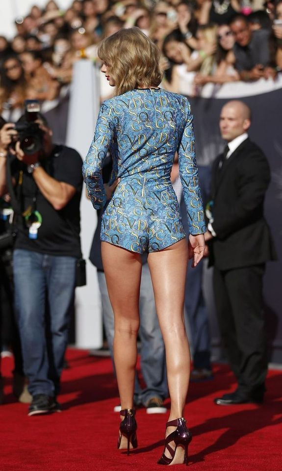 Ƅ¼ Pinterest Policies Respected W If You Don T Like What You See Please Be Kind And Just Move Al Taylor Swift Legs Taylor Swift Hot Taylor Swift Style