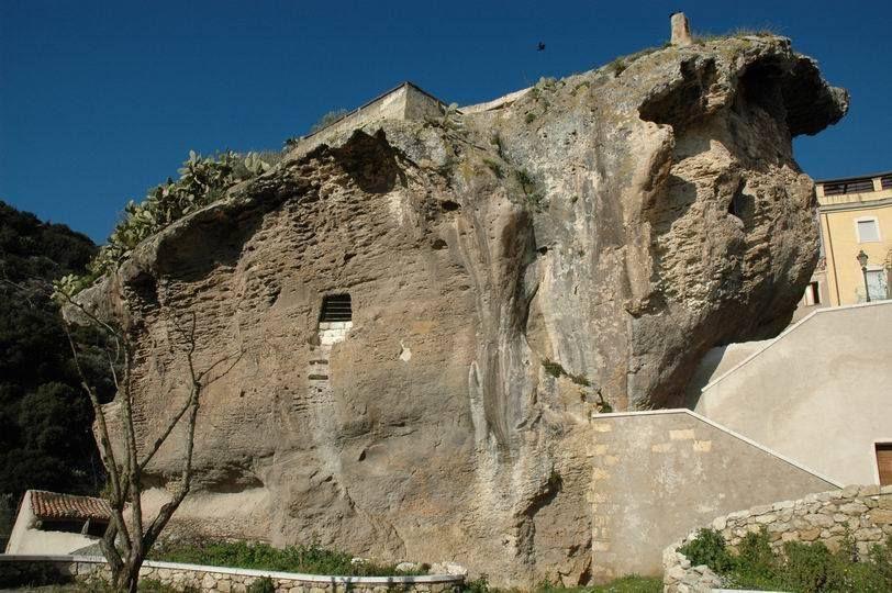 La Casa Nella Roccia.La Casa Nella Roccia Sedini Nord Sardegna Sardegna In 2019