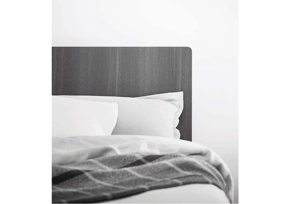 Particolare testiera letto people a pianca milano via brembo bed italian furniture design e - Testiera letto design ...