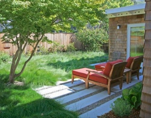 No Mow And Low Mow Grasses Are Designed To Clump Softly In Waves Like Those Found In A Small Backyard Landscaping Backyard Landscaping Contemporary Landscape