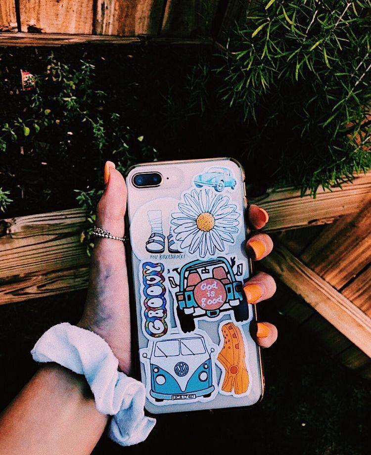 @annadanielleeee🌻 | Tumblr phone case, Aesthetic phone ...