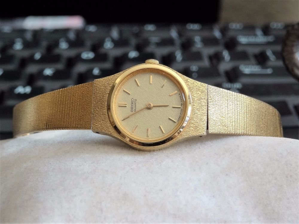 9c98eedcf Vintage 1988 Seiko Gold Tone Quartz Ladies Watch w/ 11mm Gold Tone Seiko  Band! #Seiko #DressFormal