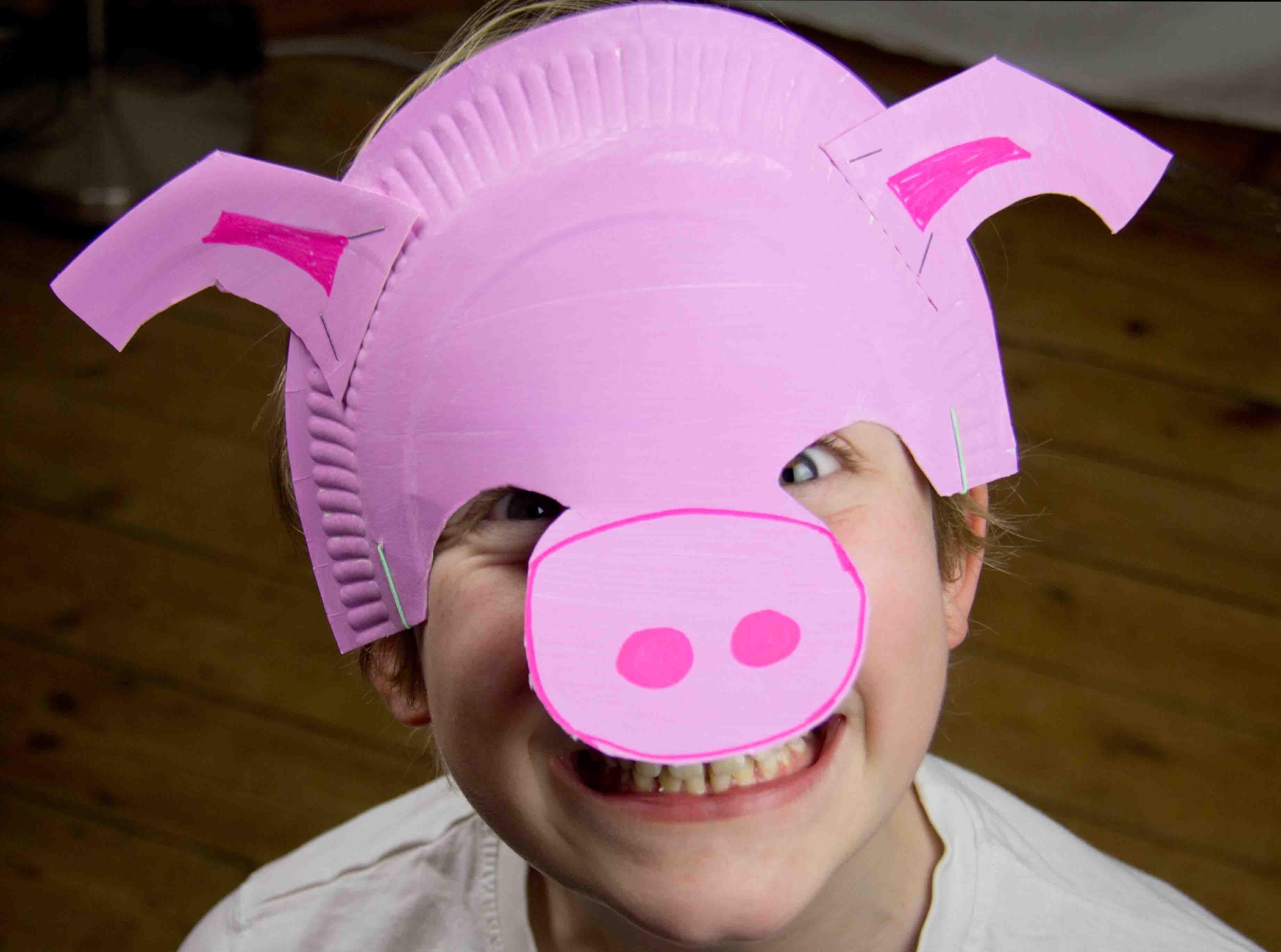 Fabriquer masque de cochon facilement projets essayer pinterest masque de cochon - Masque de loup a fabriquer ...