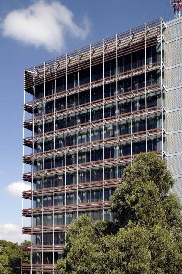 Edificio de oficinas GOR / Pascal Arquitectos   Edificios de ...