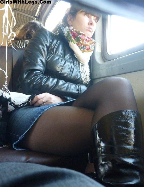 фото апскирт в поезде