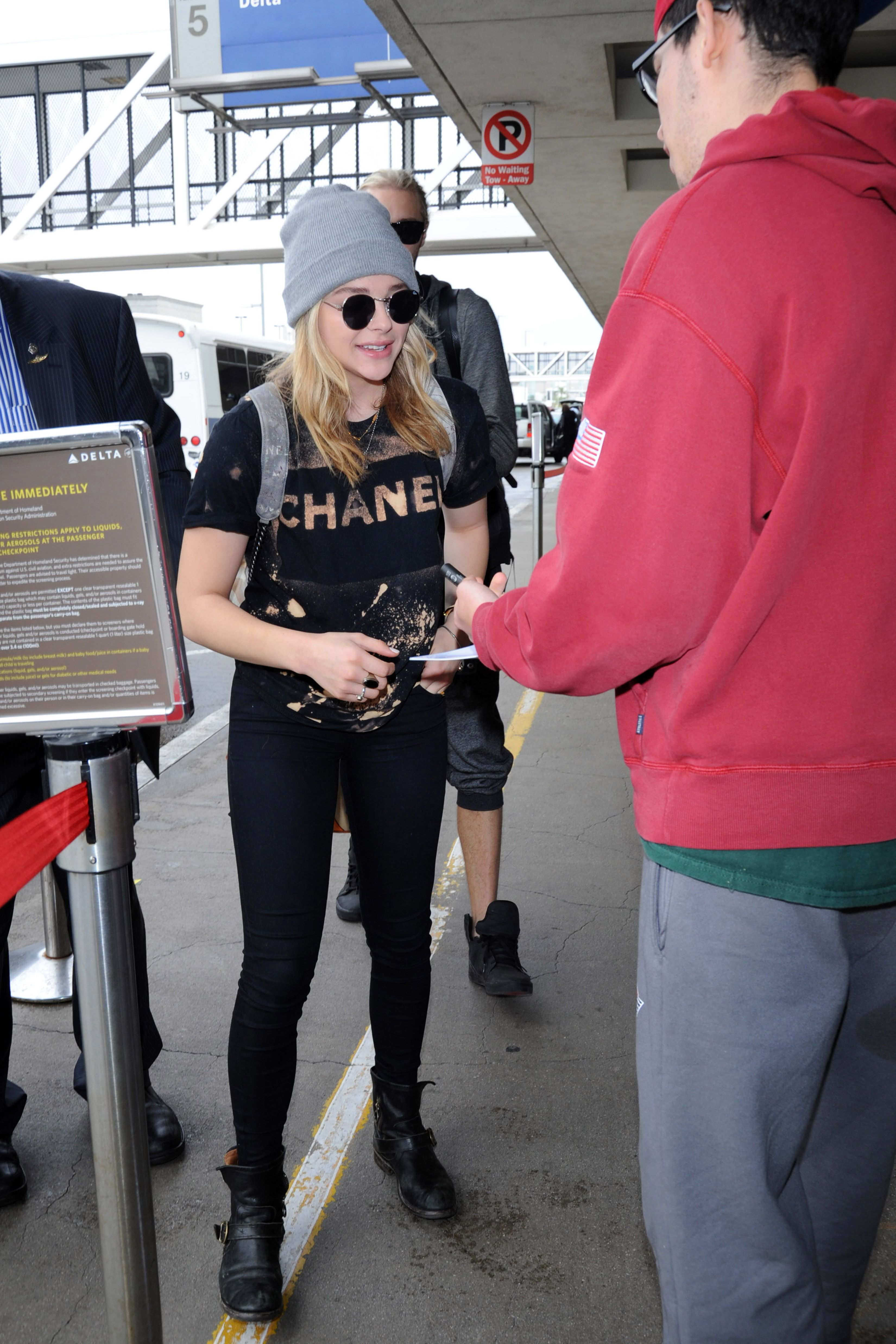 Chlomo Gallery: The best Chloe Moretz gallery™ - photoshoots, candids, events, screenshots and more