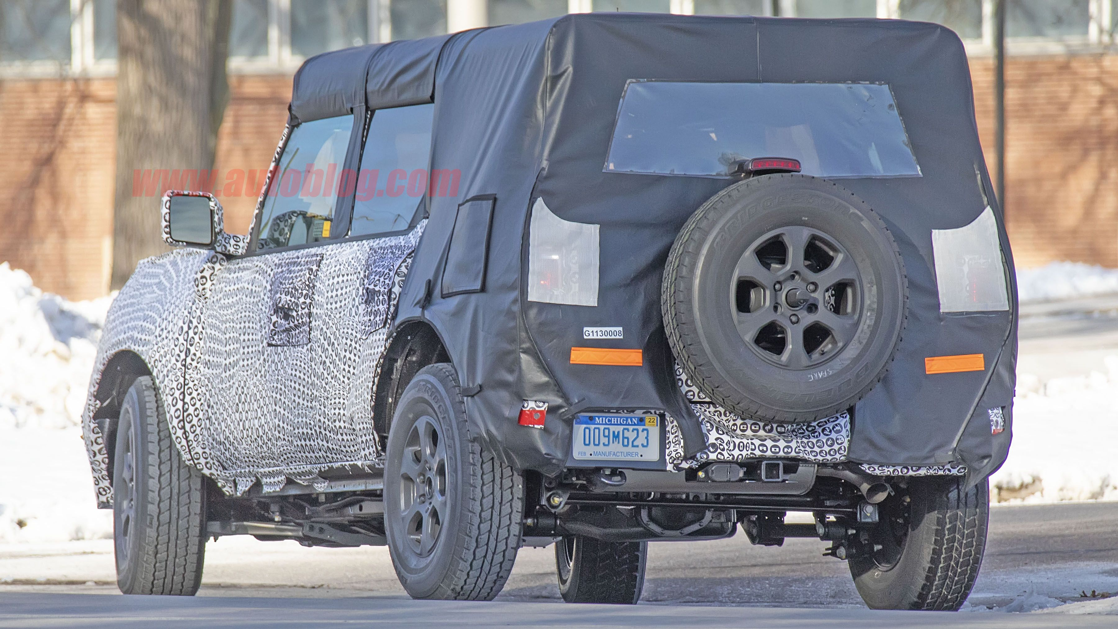 New Shots Of The 2021 Ford Bronco Show Suspension Removable Roof In 2020 Ford Bronco Bronco Ford