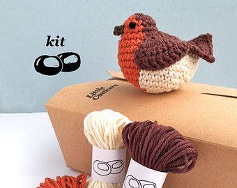 Robin Crochet Kit / DIY Christmas Decoration / Eco-friendly Craft Kit / Gift for Crocheter / Christmas Crochet Pattern