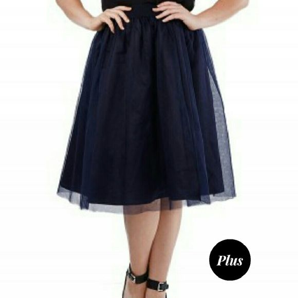 """Navy Tulle Midi Skirt (Plus) Super cute navy tulle skirt, elastic waistband 100% polyester,  measures approximately 38-40"""" waist, 48-50"""" hips, labeled size 3x. BUNDLE & SAVE 15%, OFFERS WELCOMED Skirts"""