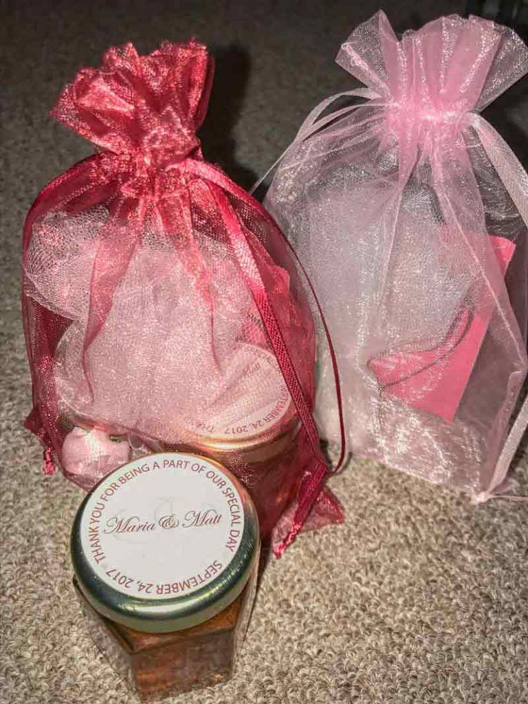 Honey Wedding Favor photo ideas | Wedding Favor Ideas | Pinterest ...