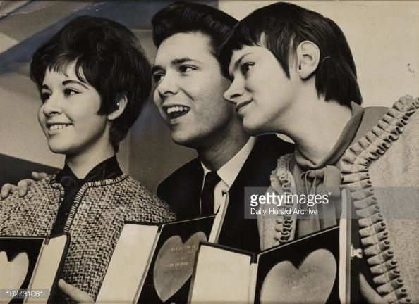 Cliff Richard Rita Tushingham And Helen Shapiro 1961 Daily Richard Singer Rita