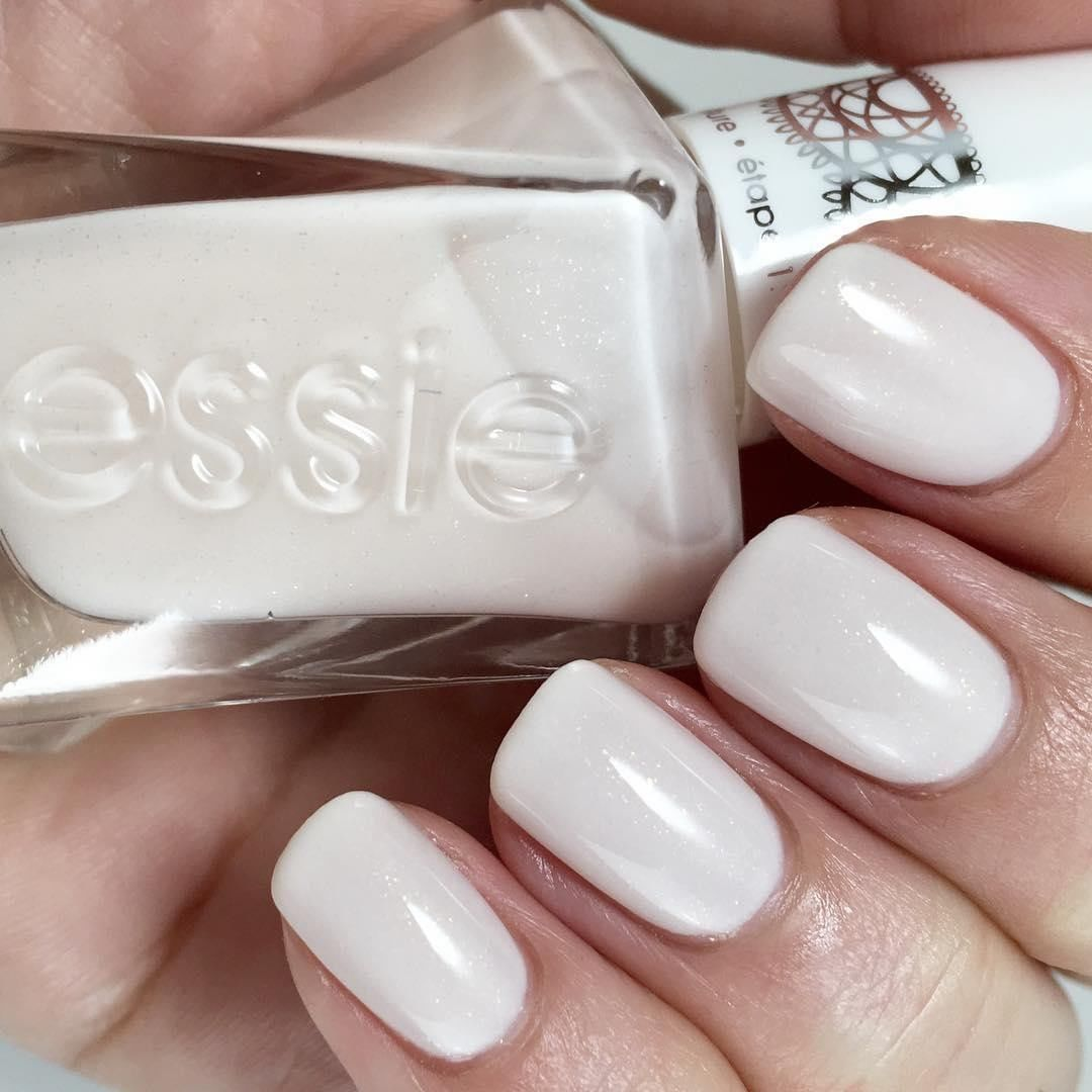 Winter White Nails With Images Gel Couture Essie Nails